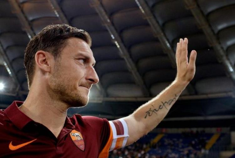 Serie A, Roma-Genoa 3-2: