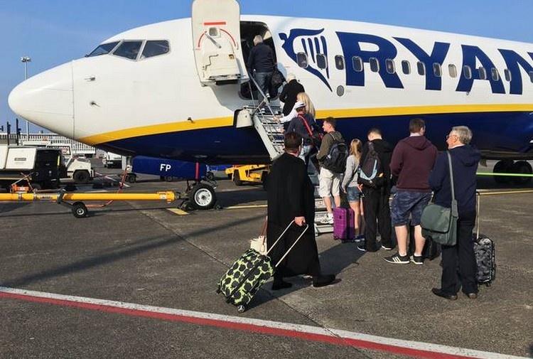 Ryanair: attenti alle fake news, ecco la verità sui bagagli a pagamento