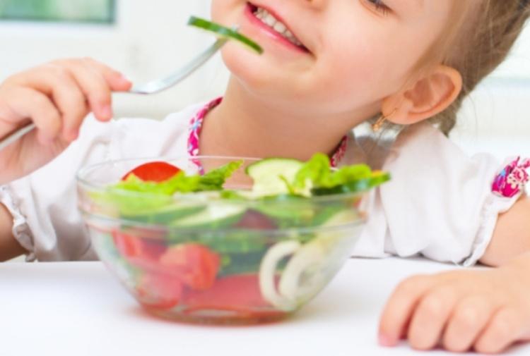 Dieta vegana, il no dei pediatri: