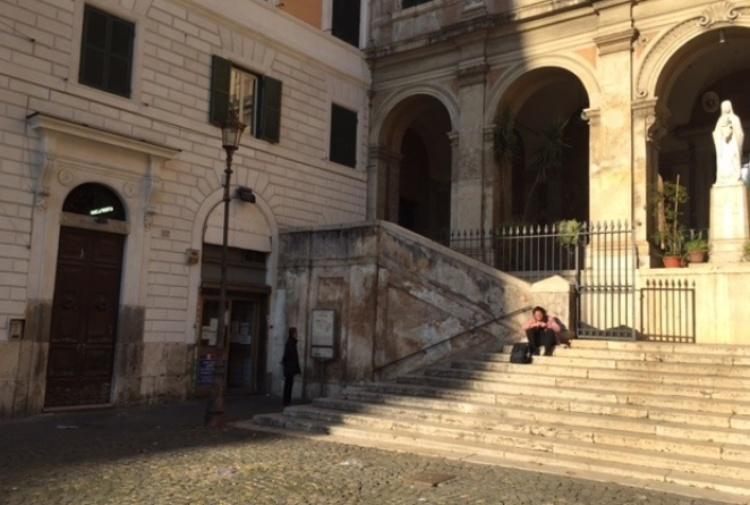 Roma, islamico aggredisce una coppia: