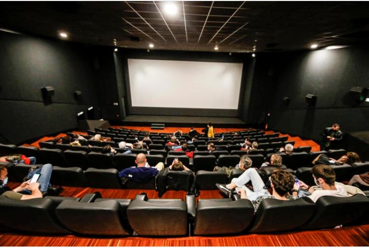 Il Cts dall'ok all'aumento delle capienze per cinema, teatri e stadi. Ecco cosa cambia