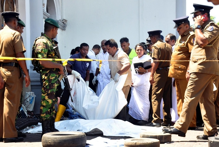 Attentati in Sri Lanka: 290 morti e 500 feriti