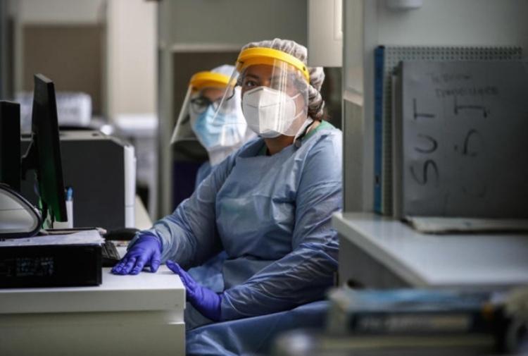 """Covid 19, l'Oms: """"Il peggio deve ancora arrivare"""". Una speranza dalla Cina: è pronto il primo vaccino Coronavirus-medici-650.jpg_997313609"""