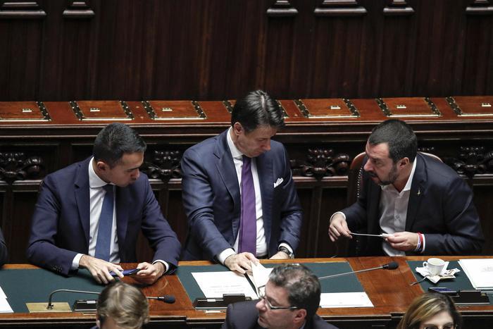 Redditi: Berlusconi sempre al top, nel governo svetta Bongiorno